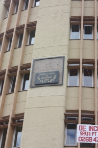 We saw this on buildings in Bucharest also - bullet marks preserved from the December 1989 revolution.