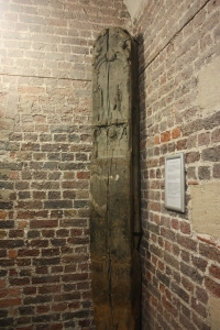 Whipping Post, 1572, St. Martin-in-the-Fields Church, London.
