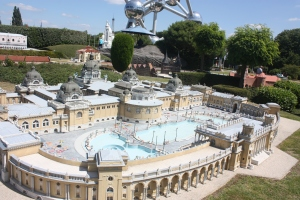 I will admit I had never before heard of the Széchenyi Medicinal Bath in Budapest before. And I wondered that the only thing from Hungary considered worthy of inclusion in Mini-Europe was a spa. I does look interesting though - maybe I will check it out in the next European vacation.